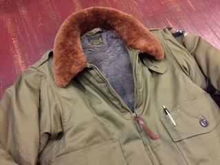 ムートン襟のフライトジャケット